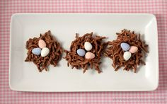 Totally making these chocolate bird nests with the minis for Easter.