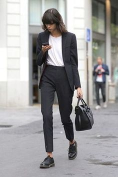 If the Shoe Fits, Wear it! How to Plan Your Entire Outfit Around Your Feet – Wit… If the Shoe Fits, Wear it! How to Plan Your Entire Outfit Around Your Feet – Wit & Delight Mode Outfits, Office Outfits, Casual Outfits, Fashion Outfits, Womens Fashion, Office Wear, Fashion Ideas, Casual Wear, Casual Office
