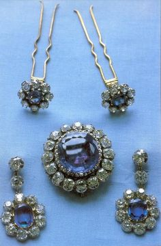 Brooch, earrings and the two remaining hair pins from the Leuchtenberg Sapphire parure - a favourite jewelset of Queen Louise and now of Queen Silvia.