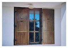 rusztikus ablak, valódi osztással és áttört spalettával