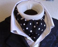 More women should wear ascot tie made for men! Forget the old ascot for women. After all, women are the new men. Only Fashion, Mens Fashion, Cravat Tie, Ascot Ties, Glamour Magazine, Budget Fashion, Fine Men, Well Dressed Men, Swagg