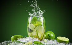 Mint Detox Water, Cucumber Detox Water, Mint Water, Summer Drinks, Fun Drinks, Healthy Drinks, Healthiest Drinks, Drinking Lemon Water, Mojito Cocktail
