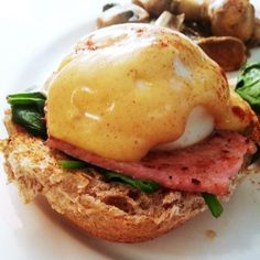 Benedict Brunch with low-syn homemade hollandaise! Healthy Eating Recipes, Healthy Foods To Eat, Vegetarian Recipes, Cooking Recipes, Slimming World Recipes Uk, Slimming World Diet, Sliming World, Slimming World Breakfast, Brunch
