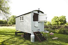 The Shepherds Return West Sussex is a traditionally styled shepherd's hut with lovely countryside views. Shepherds Hut, The Shepherd, Tiny House Cabin, Tiny House Living, Tiny Houses, Tiny Mobile House, Mobile Home, Canopy And Stars, Gypsy Wagon