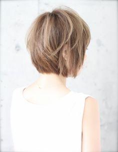 小顔ショートヘア(kE-260)   ヘアカタログ・髪型・ヘアスタイル AFLOAT(アフロート)表参道・銀座・名古屋の美容室・美容院