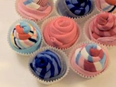 What a cute idea for a baby shower gift...tiny socks wrapped up to look like cupcakes. Tutorial here...http://www.ohcrafts.net/gifts-sock-cupcakes.php