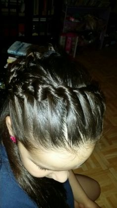 Greek half crown. Fast and easy. Great for anyday. School or parties :)