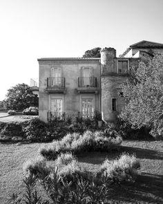 #byronbay #wedding #venue #romantic #bridal Byron Beach, The Byron, Outdoor Baths, Byron Bay Weddings, Space Wedding, Dream Wedding, Boutique Homes, French Chateau, Weekends Away