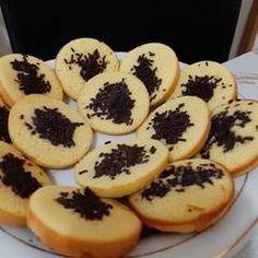 Resep Kue Cubit Lembut oleh Larasati Kumalasari - Cookpad Cookies, Desserts, Food, Biscuits, Meal, Deserts, Essen, Hoods, Dessert