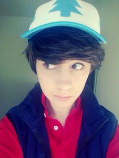 Dipper cosplay hhHhhhHhHhhHHHH<<<<<<< who is this beautiful bastard, Jesus he van be my Dipper, I'll be his Wendy... One that likes him back, though...