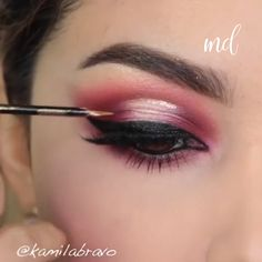 Simply click the link to get more information on step by step eye makeup techniques Makeup Eye Looks, Gold Eye Makeup, Eye Makeup Steps, Beautiful Eye Makeup, Eyebrow Makeup, Makeup Geek, Eyeshadow Makeup, Makeup Cosmetics, Glitter Makeup