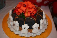 A ghoulish Halloween cake