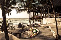 https://www.dezeen.com/2017/06/15/treehouse-papaya-playa-project-hotel-room-peeps-above-canopy-tropical-woodland-tulum-mexico/