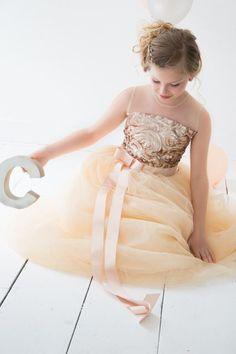 Jurk van So Cute! Bruidsmeisje, bruidsmeisjesjurk, communiejurk, feestjurk, verjaardagsjurk, kinderkleding, meisjes jurk, bruiloft, trouwen, bruidskinderen, exclusief, op maat, kinderfeest Bridesmaid, flower girl, wedding, bridal, christening, girl, dress, children wear, children clothes, kids couture, party dress, exclusive, baby www.socutefashion.com