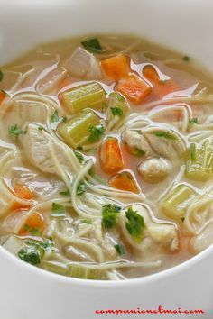 Chicken soup with vermicelli Pressure Cooker Chicken, Pressure Cooker Recipes, Ramen Noodle Recipes, Noodle Soup, Ramen Noodles, Best Crockpot Recipes, Easy Recipes, Mushroom Soup Recipes, Healthy Breakfast Recipes