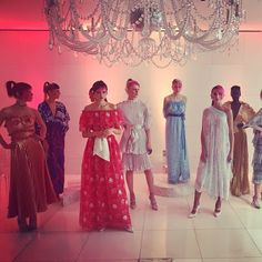 Urban Fashion, Women's Fashion, Fashion Design, Fashion Trends, Fashion Essay, Zandra Rhodes, Fashion Silhouette, Fashion Updates, Bridesmaid Dresses