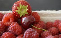 Preview wallpaper raspberry, cherry, berry, ripe, juicy
