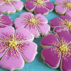 hibiscus flower cookies luau Source by memoryfairy Summer Cookies, Fancy Cookies, Iced Cookies, Cute Cookies, Easter Cookies, Cupcake Cookies, Cookie Favors, Heart Cookies, Valentine Cookies