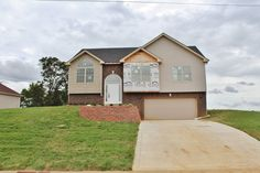 #houseforsale #homeforsale #realestate #realtor #Clarksville #tn #fortcampbell #ky #newconstruction #woodlawn #countryliving #coldwellbankercmh