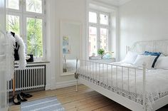 ideas.... like the white bed frame.