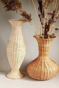 Напольная ваза из газетных трубочек