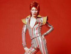 Spanish musicians unite in David Bowie tribute performances