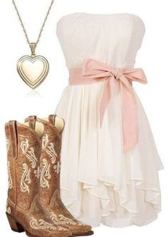 Simple country style wedding dresses with boots trends (75)