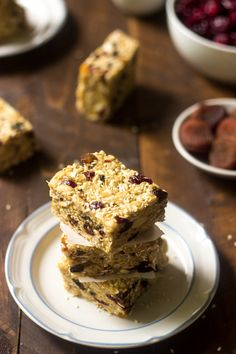 Ingredients: 1 Cup Rolled, old fashioned oatmeal 3 T Sesame seeds 1/4 Cup Coconut oil 1 10oz Package of Mini marshmallows 1/2 Cup Natural peanut butter 2 1/2 Cups Brown Rice Krispies 1/2 Cup Unsalted peanuts 1/2 Cup Raisins 1/2 Cup Dried cranberries 1/2 Cup Dried apricots, chopped 1/2 Cup Sunflower seeds Directions: 1. Preheat … Continue reading Energy Krispie Treat Bars
