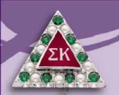 Sigma Kappa with emeralds and pearls