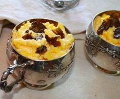 Oeufs brouillés à la truffe et mouillettes de foie gras