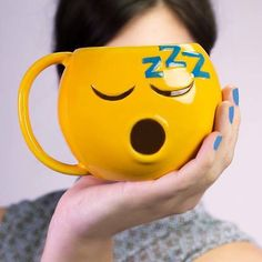These tactile emojis have the ability to add much fun to your favorite beverage. Let's go on for the cute emoji inspired by coffee mugs. I Love Coffee, Best Coffee, Emoji Room, Emoji Mug, Emoticon, Good Night Friends, Gadgets, Teapots And Cups, Cool Mugs