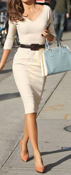 beutiful nude outfit idea : heels + bag + dress