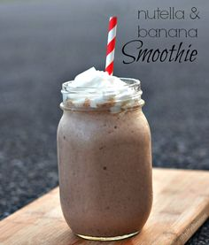 This Banana Nutella Smoothie Recipe is just sweet enough and a perfectly refreshing start to my day. Next time you are in the mood for a delicious sweet treat try this Banana Nutella Smoothie. Yummy Smoothies, Smoothie Drinks, Yummy Drinks, Healthy Drinks, Healthy Recipes, Yummy Food, Good Smoothie Recipes, Banana Smoothies, Stay Healthy