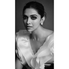 Bollywood fashion 556616835197957550 - Deepika Padukone Looks Stunning As She Reaches For MAMI 2019 Closing Ceremony – HungryBoo Source by annestanislas Bollywood Stars, Bollywood Fashion, Bollywood Girls, Indian Film Actress, Indian Actresses, Bollywood Celebrities, Bollywood Actress, Indian Celebrities, Dipika Padukone