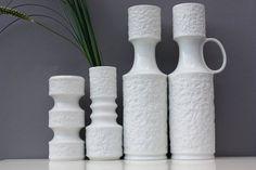 4 Biskuitvasen weiße Vasen Bisquitporzellan, Set of 4 white vases bisque Op-Art, Royal Porzellan Bavaria KPM handmade in Germany 60s 70s
