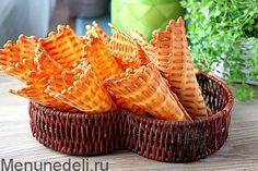 Вафли в электровафельнице Cookie Desserts, Sweet Desserts, Sweet Recipes, Delicious Desserts, Snack Recipes, Cooking Recipes, Russian Desserts, Birthday Breakfast, Crepes