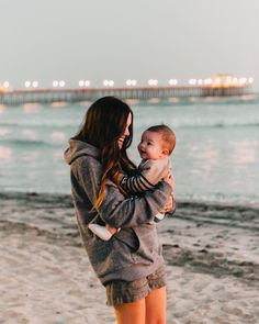 Do Babies Develop Object Permanence? When Do Babies Develop Object Permanence?When Do Babies Develop Object Permanence? Mama Baby, Mom And Baby, Baby Kids, Baby Boy, Cute Family, Baby Family, Family Goals, Family Life, Cute Kids