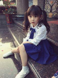 放學后的你[微風][太陽][音樂]  Korean Babies, Asian Babies, Beautiful Japanese Girl, Cute Japanese, Cute Little Girls, Cute Kids, Kids Uniforms, Baby Tumblr, Ulzzang Kids