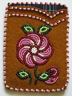 Native Beading Patterns, Beadwork Designs, Bead Embroidery Patterns, Beaded Earrings Patterns, Seed Bead Patterns, Native Beadwork, Native American Beadwork, Beaded Embroidery, Beaded Crafts