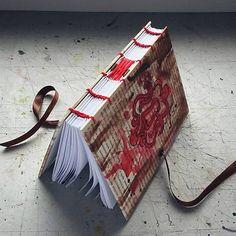 ardeas / Maľovaný zápisník A6 - Tajomstvo / secret book / handmade / bookbinding / lock / red / brown / journal / art book / ind / painted