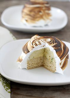 Baked Alaska for the Daring Bakers: cool pistachio ice cream, brown butter pound cake covered in toasty meringue Bacon And Butter, Brown Butter, Butter Cheese, Baked Alaska Recipe, Butter Pound Cake, Pistachio Ice Cream, Cakes Plus, Individual Desserts, Ice Cream Treats