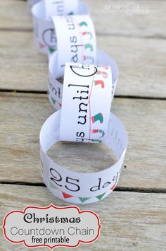 "Christmas Countdown Chain Free Printable ~ such a fun way to keep your kids excited, without having to answer the ""how many days until Christmas? Preschool Christmas, Christmas Activities, Christmas Crafts For Kids, Christmas Printables, Christmas Projects, Christmas Ideas, Christmas Decorations, Fun Projects, Christmas On A Budget"