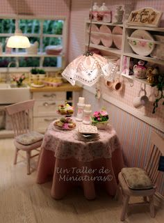 Un Taller de Miniaturas: Acogedora iluminacion/Cozy lighting
