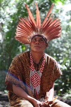 Os Kaxinawá habitam a fronteira brasileira-peruana na Amazônia ocidental. As aldeias Kaxinawa no Peru se encontram nos rios Purus e Curanja. As aldeias no Brasil (no Estado do Acre) se espalham pelos rios Tarauacá, Jordão, Breu, Muru, Envira, Humaitá e Purus.