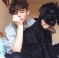 cute boy, cute dog Beautiful Boys, Pretty Boys, Cute White Boys, Aesthetic Boy, Horse Girl, Tumblr Girls, Friend Pictures, Handsome Boys, Cute Guys