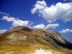 sibillini mountains le marche