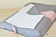 Housse de matelas à langer Made by CyCy Made By Cycy, Creation Couture, Sewing Projects For Kids, Baby Room, Creations, Zero Waste, Christmas, Slipcovers, Playground Mats