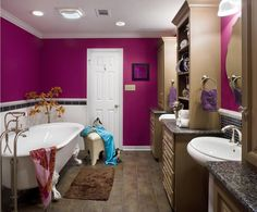 9 Out-of-the-Ordinary Bathroom Colors