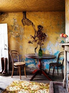 Interiors – Kara Rosenlund Yellow and turquoise are a great combo! Interior Rugs, Interior And Exterior, Interior Decorating, Interior Design, Decorating Blogs, Wabi Sabi, Kara Rosenlund, Distressed Walls, Deco Boheme