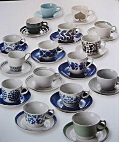 Arabia lots of coffee cups
